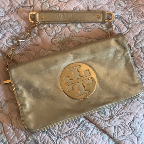 Tory Burch Handbags - Tory Burch Reva Clutch